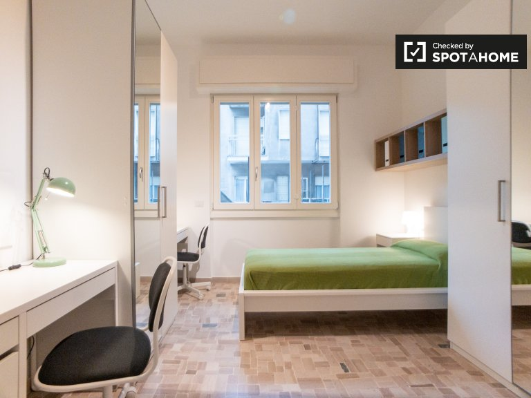 Villapizzone, Milan'da 2 yatak odalı daire kiralık yatak