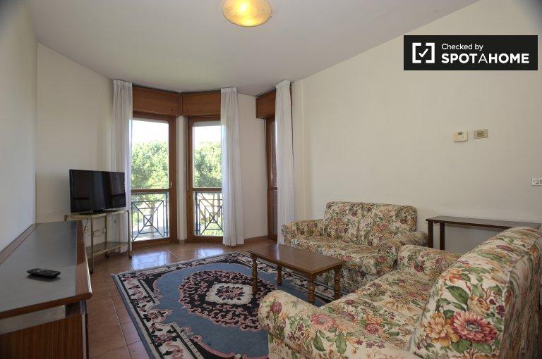 Calme appartement de 2 chambres à louer à Torrino, Rome