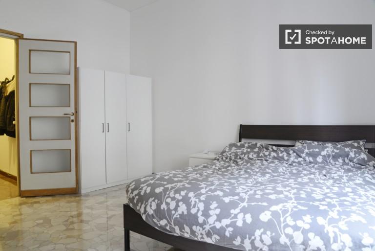 Exterior room in 3-bedroom apartment in Navigli, Milan