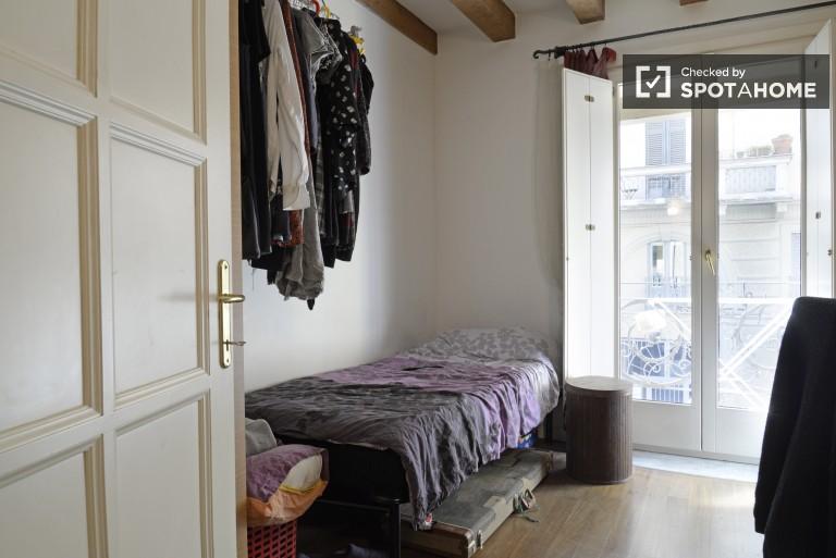 Stanza incantevole in un appartamento condiviso sui Navigli, Milano