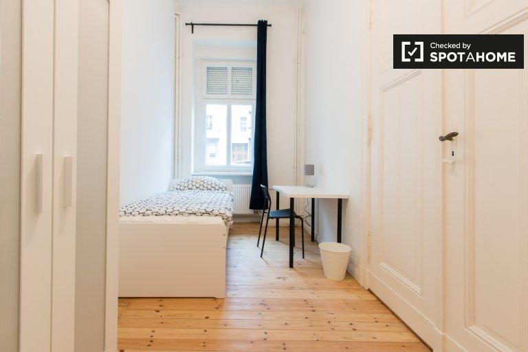 Zimmer zur Miete in 5-Zimmer-Wohnung in Wilmersdorf, Berlin