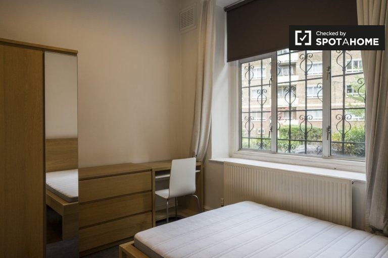 Habitación en piso compartido de 4 dormitorios en residencia en Kilburn