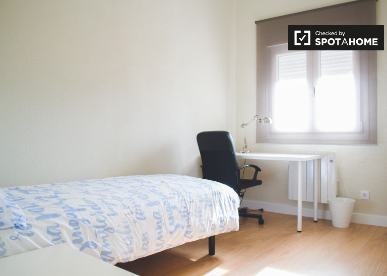 Exterior room in 4-bedroom apartment in Chamartín, Madrid