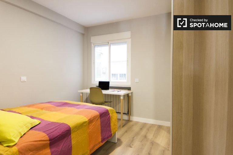 Pokój do wynajęcia w apartamencie z 3 sypialniami w Getafe w Madrycie