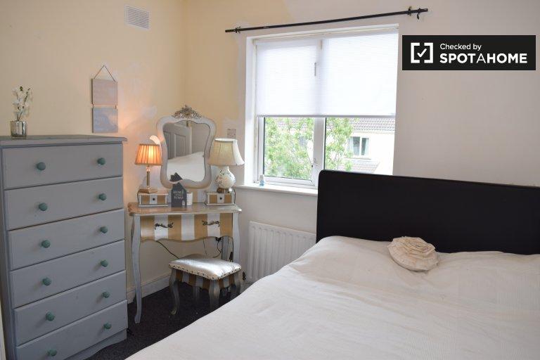 Komfortowy pokój do wynajęcia w domu z 4 sypialniami w Knocklyon