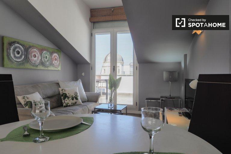 Moderno apartamento de 4 quartos para alugar em Centro, Madrid