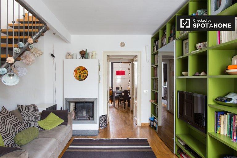 Elegante apartamento de 2 dormitorios en alquiler en Lorenteggio, Milán