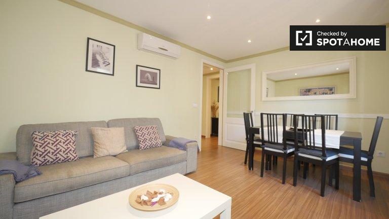 Apartamento de 4 dormitorios en alquiler en El Raval, Barcelona