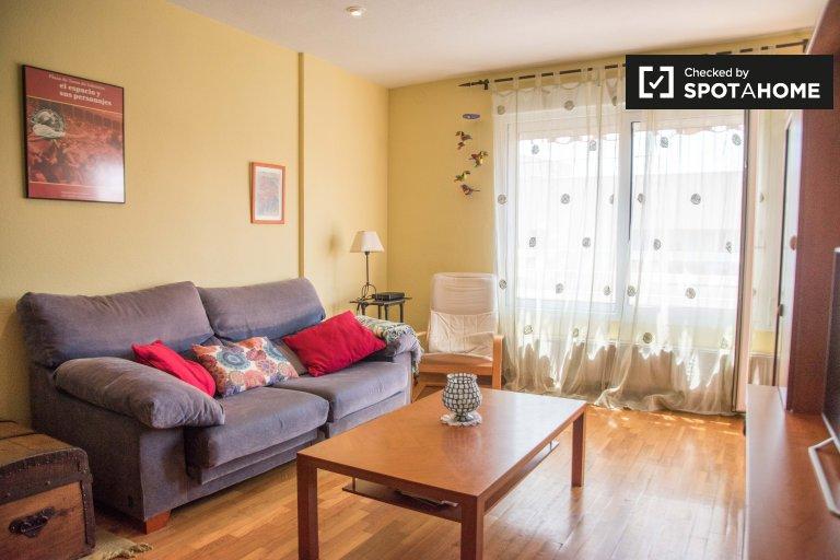 Apartamento de 3 dormitorios en alquiler en Beteró, Valencia.