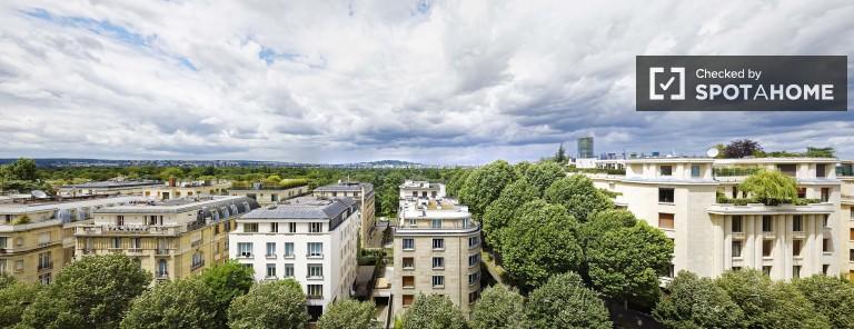 14 m2 studio apartment for rent in fashionable Passy, Paris