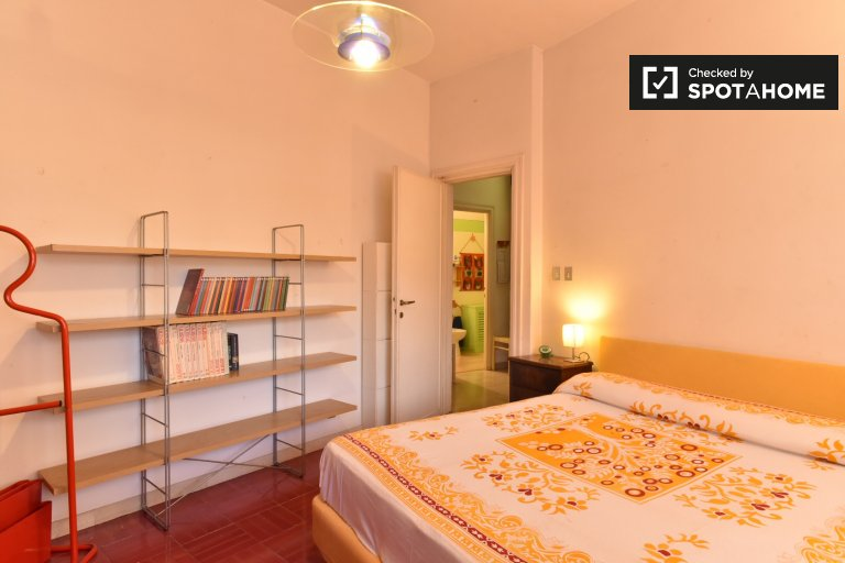 Double Bed in Rooms for rent in cozy 2-bedroom apartment in Municipio XII