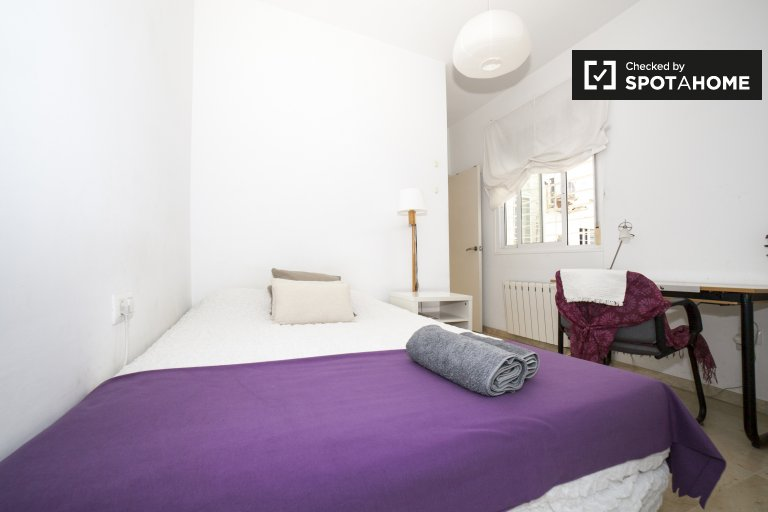 Double Bed in Room for rent in stylish 2-bedroom apartment in San Vicente