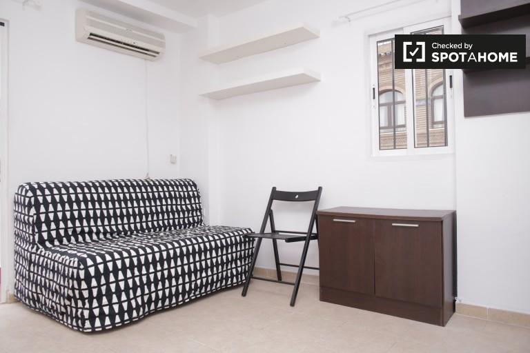 1-Zimmer-Wohnung mit Terrasse zur Vermietung - Zentral Sevilla