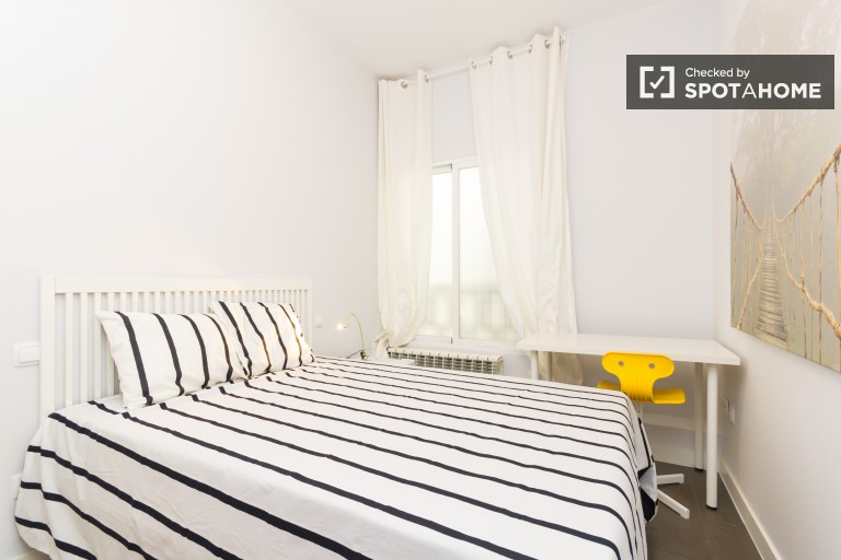 Bedroom 3 with double bed, interior