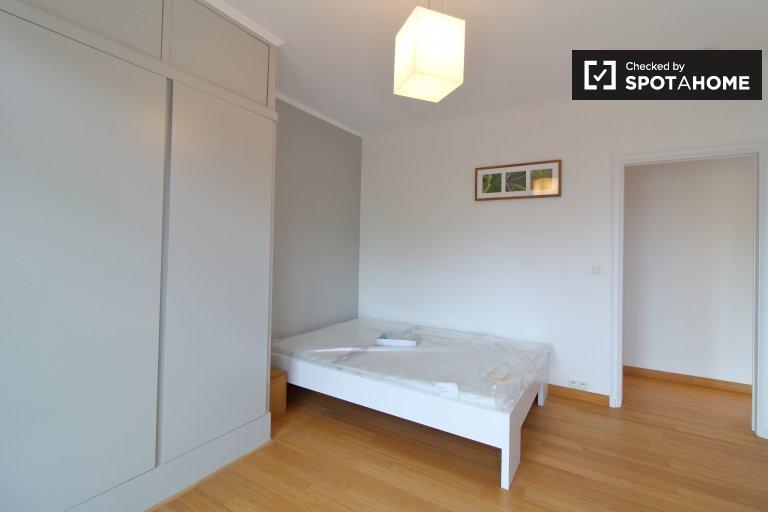 Belle chambre à louer dans un appartement à 4 lits, Woluwe-Saint-Pierre