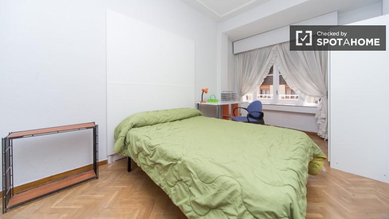 Room 5: Double Bedroom