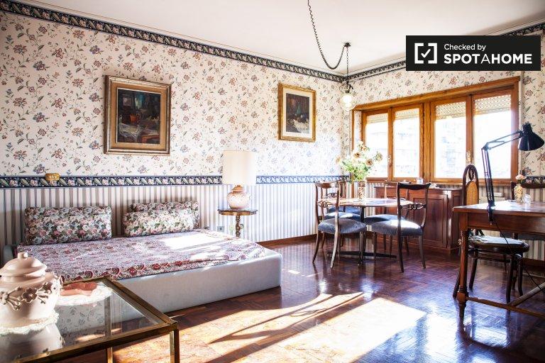 Apartamento de 1 quarto para alugar em Fonte Ostiense, Roma