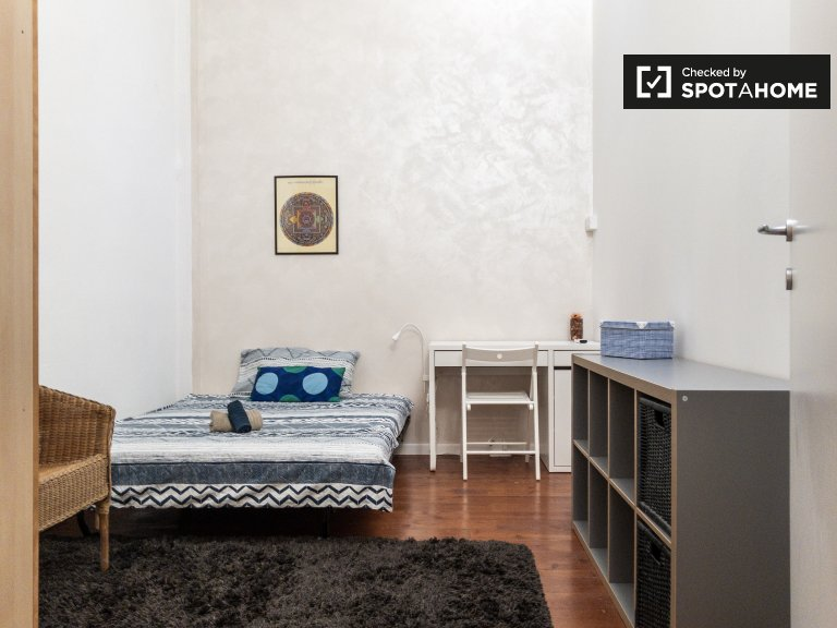 Stylish room for rent in Calvairate, Milan