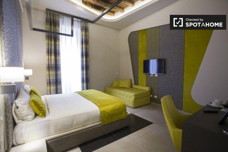 Stanza in affitto in appartamento con 5 camere in Centro Storico