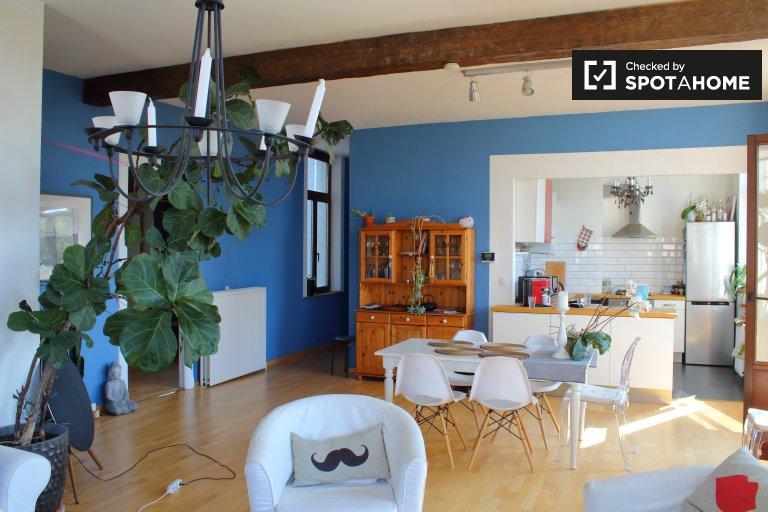 Przestronny apartament z 2 sypialniami do wynajęcia w Jette, Bruksela