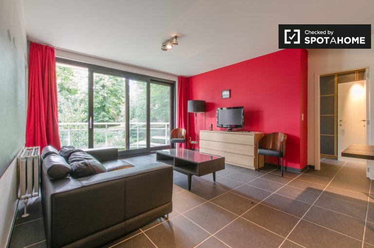 Gorgeous, super modern 2-bedroom apartment with balcony for rent in Etterbeek