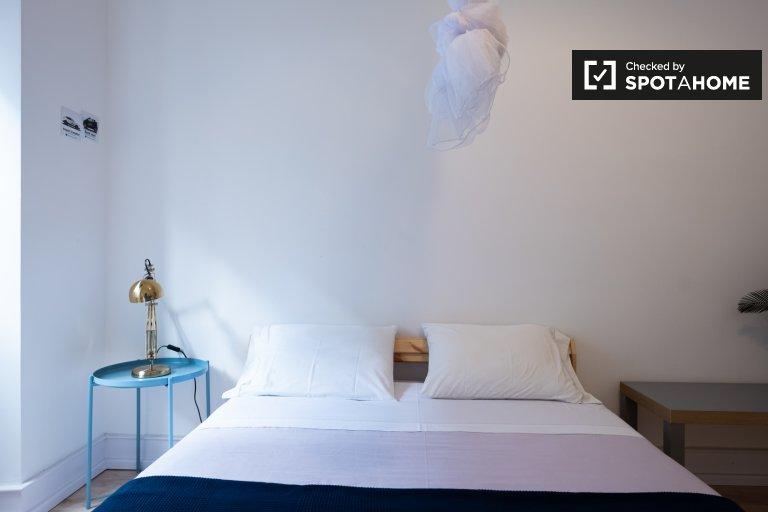 Stilvolles Zimmer zur Miete in einer 5-Zimmer-Wohnung in Alcântara