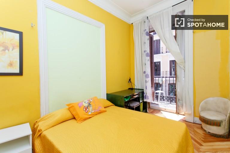 Comparte piso de 10 habitaciones en Puerta del Sol, Madrid