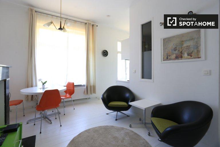Apartamento amueblado de 1 dormitorio en alquiler en Forest, Bruselas