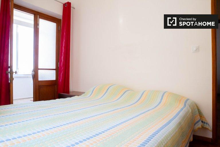 Jasny pokój w domu z 5 sypialniami w Estoril, Lisboa