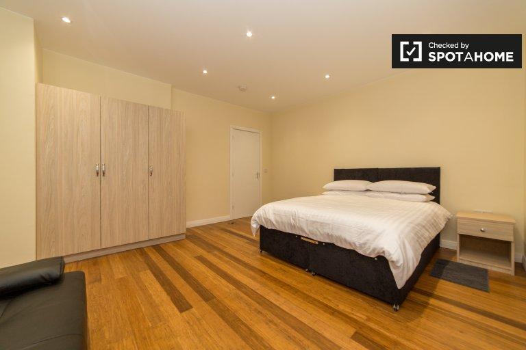 Mieszkanie z 2 sypialniami do wynajęcia w Hither Green w Londynie