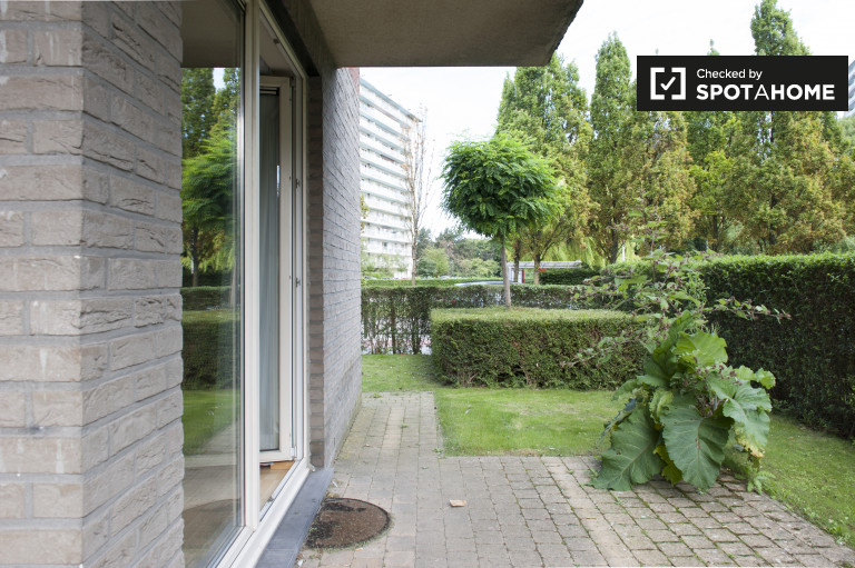Beautiful 2-bedroom apartment for rent in Schaerbeek
