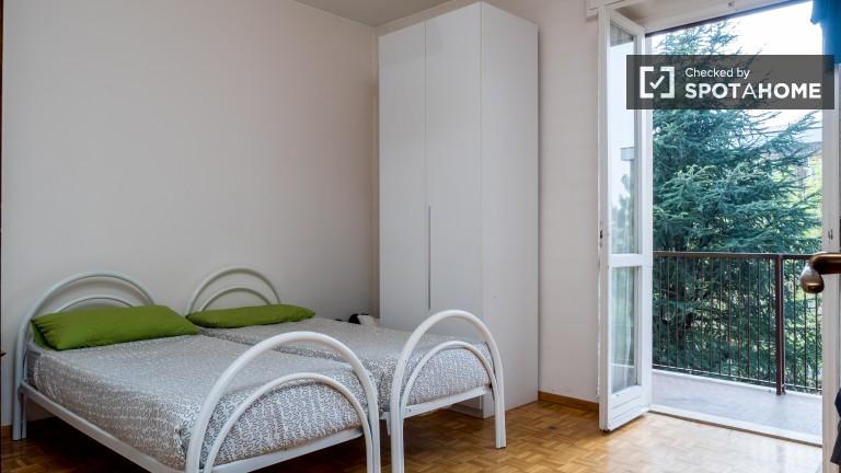 Chambre simple dans un appartement à Greco, Milan