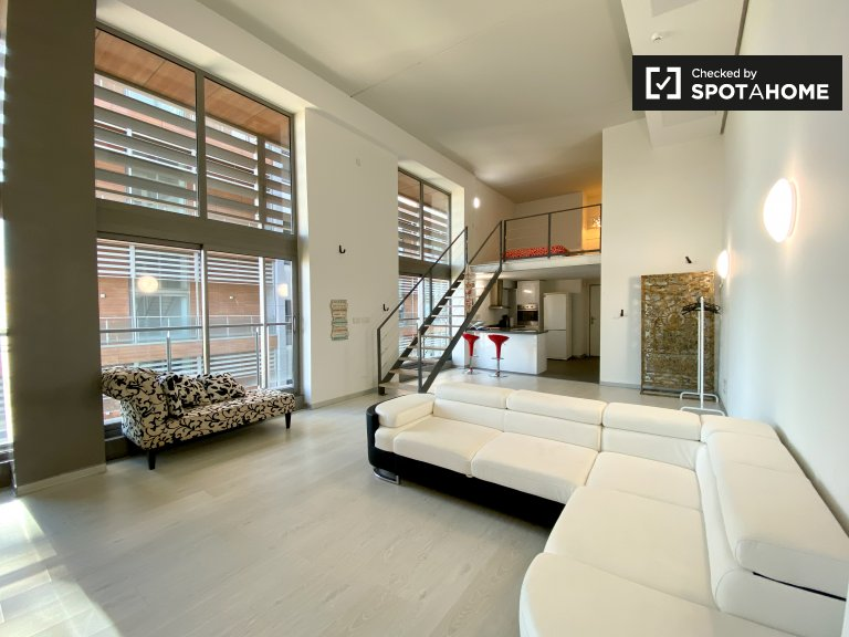 Atemberaubende Loft-Wohnung zu vermieten in Patraix, Valencia