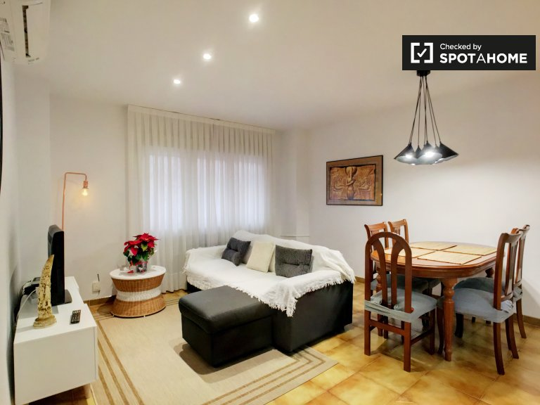 Chic 3-bedroom apartment for rent in Usera, Madrid