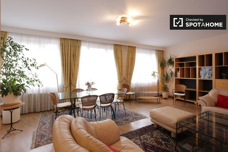 Lavish apartamento de 2 quartos para alugar em Bruxelas Centro da cidade