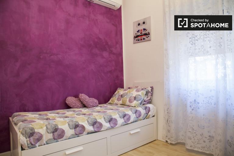 Pokój jednoosobowy w apartamencie w Quarto Miglio Miglio, Rzym