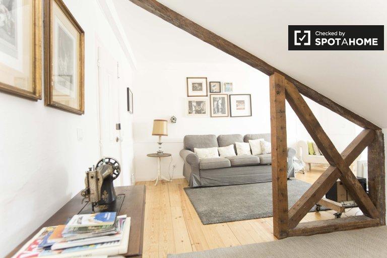 Lindo apartamento de 2 quartos para alugar em Castelo, Lisboa