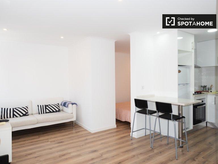 Apartamento luminoso para alugar na Ajuda, Lisboa