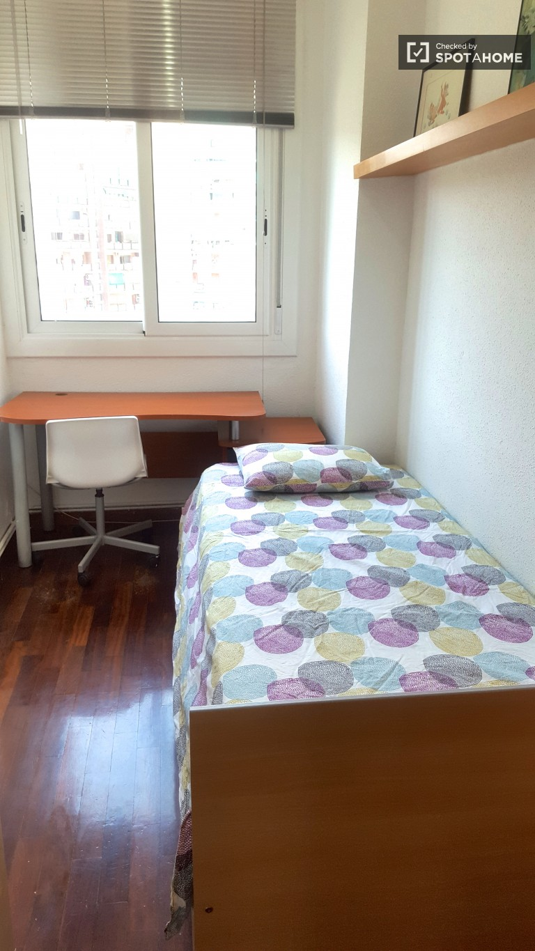 Exterior room in shared apartment in Sant Andreu, Barcelona