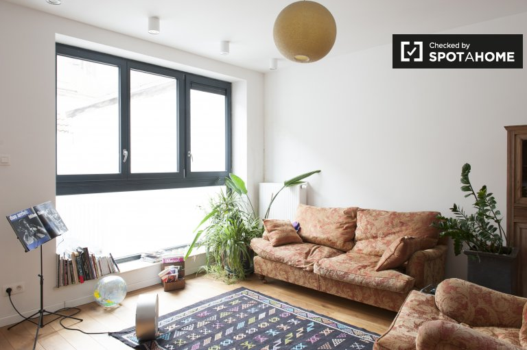 Beautiful and bright 1-bedroom apartment to rent in the city centre