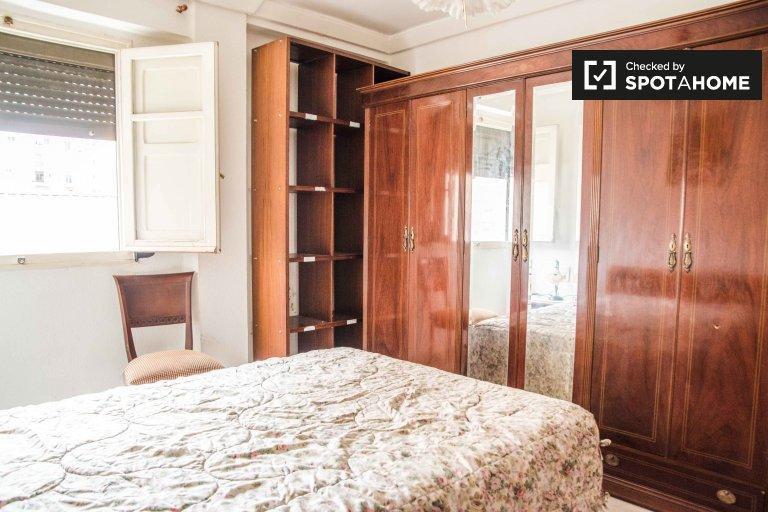 Cozy room for rent in Jesús, Valencia