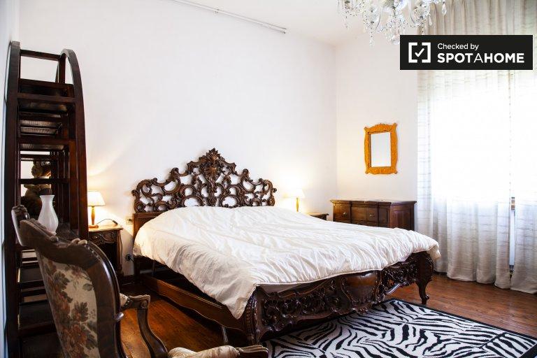 Se alquila habitación en un apartamento de 3 dormitorios en Balduina, Roma