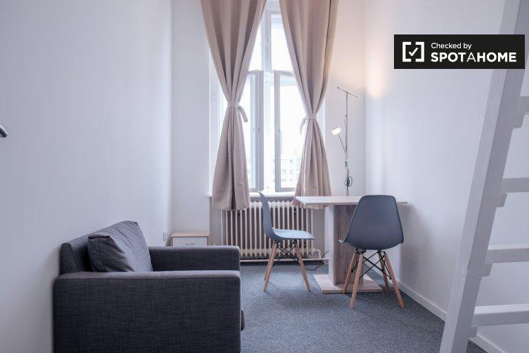 Chambre à louer dans un appartement de 5 chambres à Mitte, Berlin