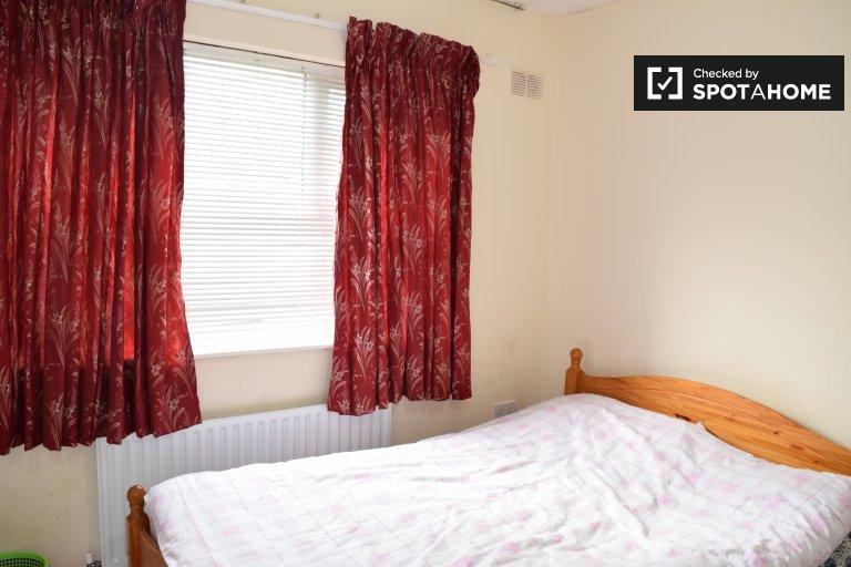 Möbliertes Zimmer in 3-Zimmer-Haus in Brookfield, Dublin