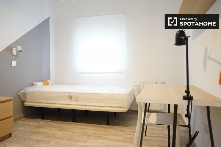 Chambre à louer dans un appartement de 2 chambres à Getafe, Madrid