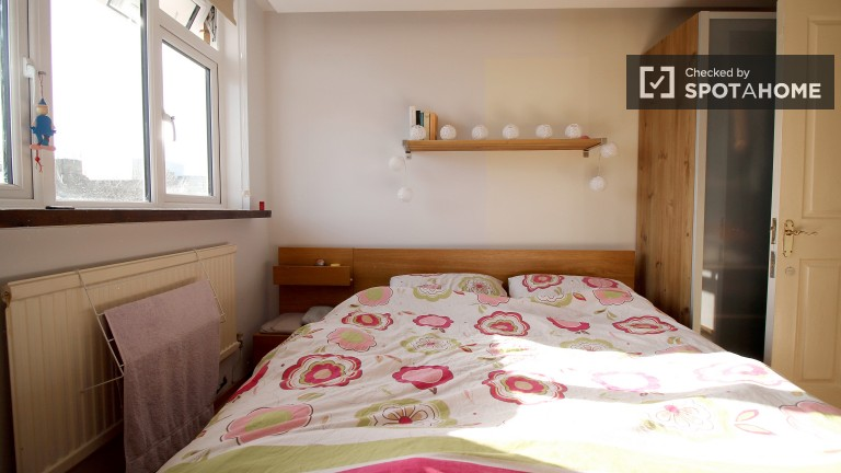 Bedroom 4 with double bed, couples allowed