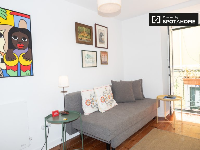 Stylish 1-bedroom apartment for rent in Misericórdia, Lisbon