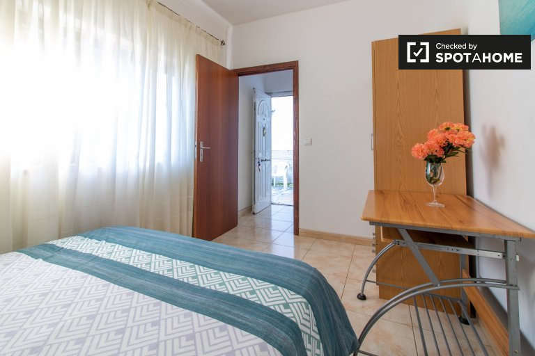 Doppelzimmer zu vermieten, 10-Zimmer-Wohnung, Amadora, Lissabon