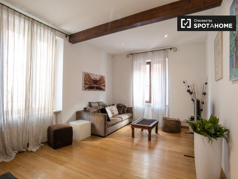 Amplio apartamento de 3 dormitorios en alquiler en Zona Solari, Milán