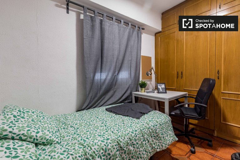 Pokój jednoosobowy do wynajęcia, apartament z 5 sypialniami, Benimaclet